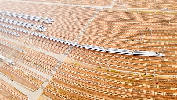 中国首条丝路高铁即